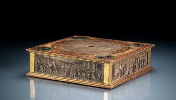 Rare relic stand with polychrome and grisaille painting - photo 2