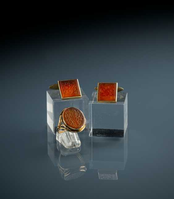 Pair of cufflinks and ring with carnelian - photo 1