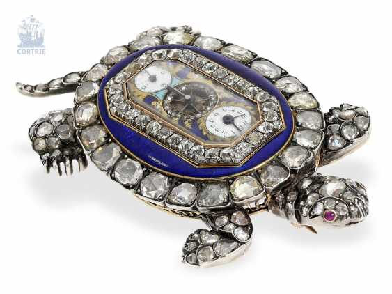 """shape watch: Museum enamel brooch """"tortoise"""" with a built-in clock, visible balance-wheel, and a rich diamond trim, attributed to Piguet et Capt, Geneva, circa 1810 - photo 3"""