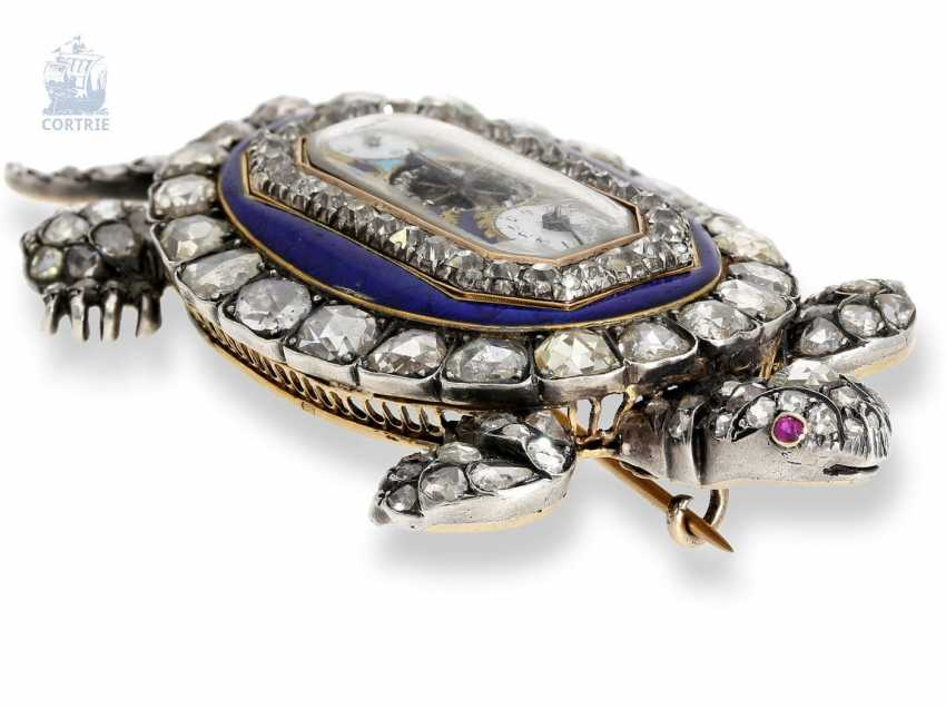 """shape watch: Museum enamel brooch """"tortoise"""" with a built-in clock, visible balance-wheel, and a rich diamond trim, attributed to Piguet et Capt, Geneva, circa 1810 - photo 9"""