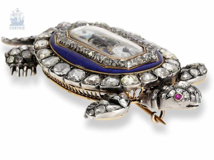 """montre de forme: muséale Émail Broche """"Tortue"""" à Horloge interne, Balancier visible et riche de Diamants, attribuée à Piguet et Capt, Geneva, circa 1810 - photo 9"""