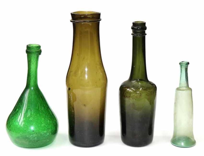 9 Hohlglasflaschen. - photo 1