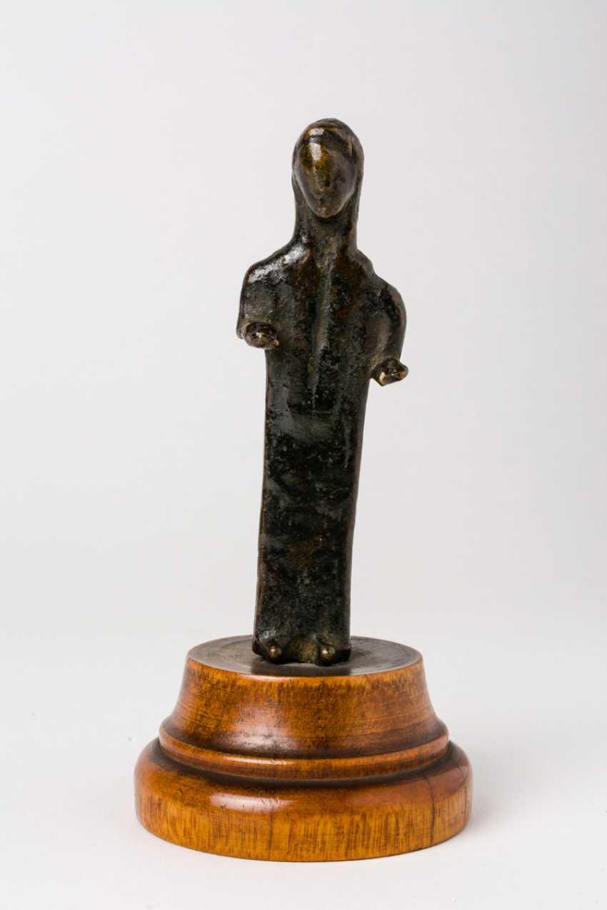 Figure of a woman - photo 1