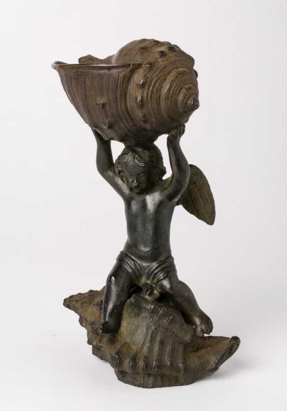 Putto with shells - photo 1