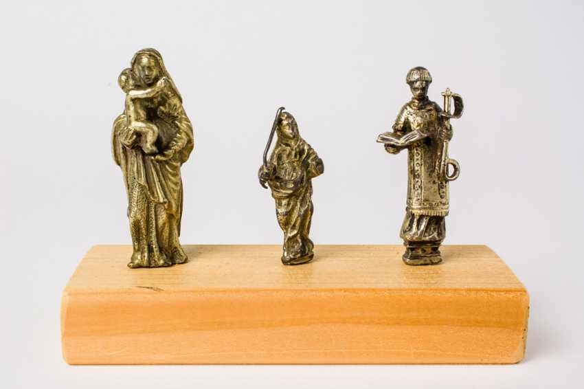 Three Figures - photo 1