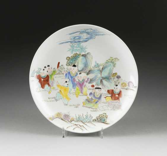 PLATE WITH PLAYING BOY IN THE GARDEN - photo 1