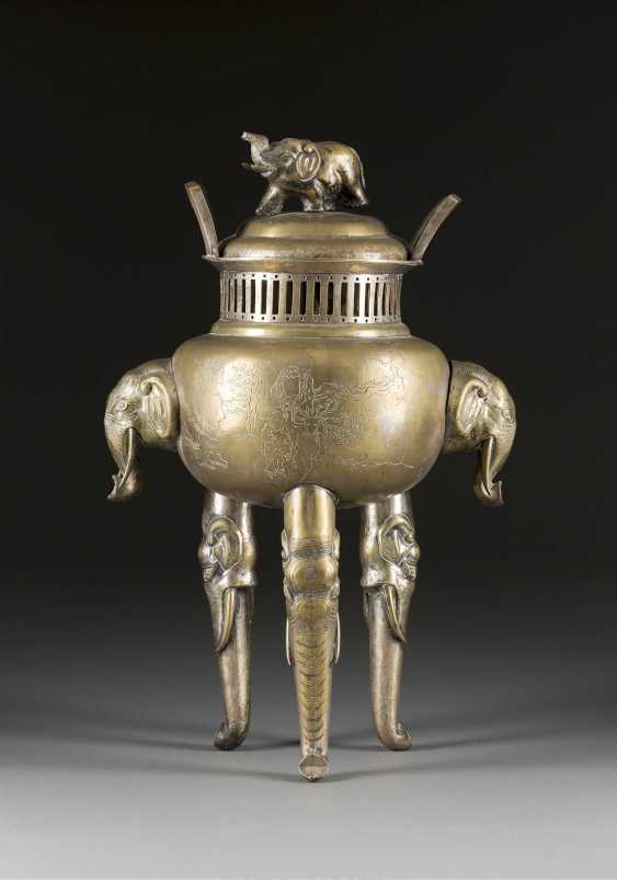 INCENSE BURNER WITH LEGS, AS ELEPHANTS AND - photo 1