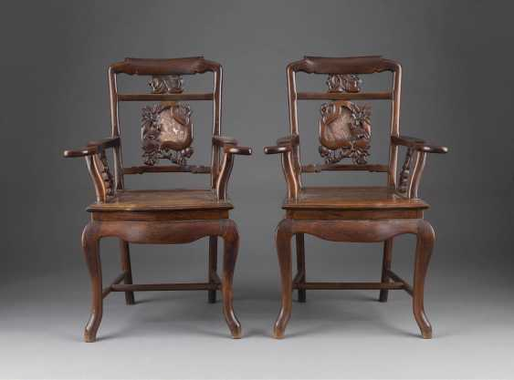 PAIR OF CHAIRS WITH THE DECOR OF SPERLINGHEN - photo 1