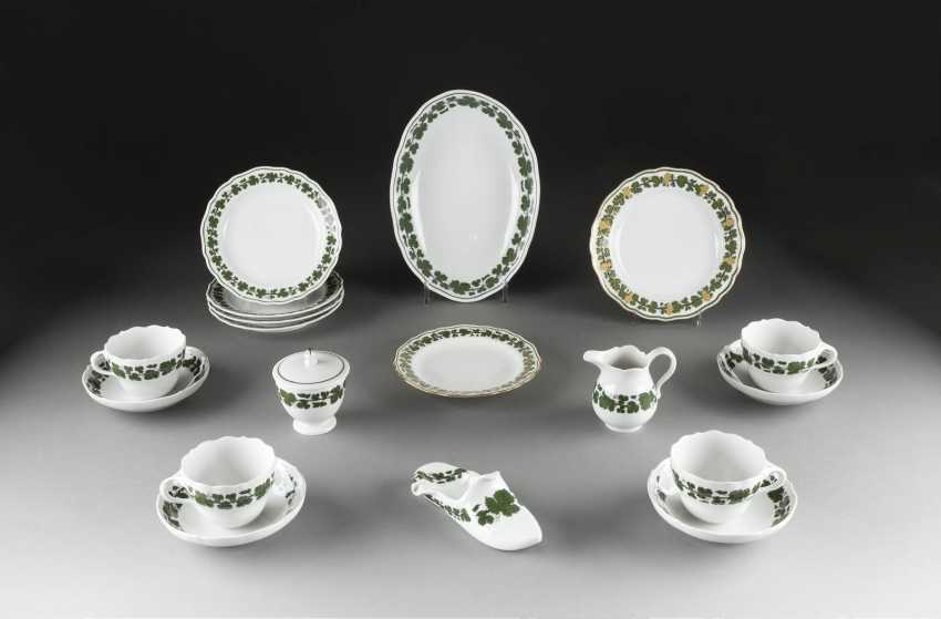14-PIECE VINTAGE 'FULL GREEN wine wreath' in German, Meissen, 20. Century and earlier - photo 1