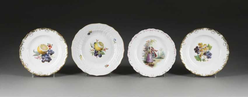 FOUR PLATE - FRUITS AND GALANTE SCENE - photo 1