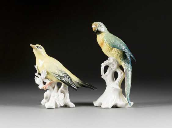 TWO BIRD FIGURINES ON TREE BRANCH PARROT AND ORIOLE - photo 1