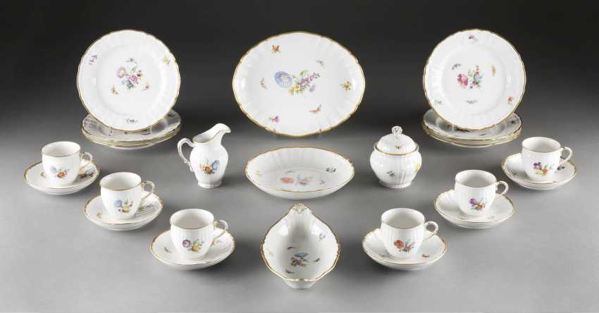 17-PIECE COFFEE SERVICE 'FLOWERS AND BUTTERFLIES' - photo 1
