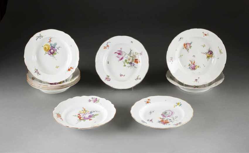 Lot OF SEVEN PLATES 'flower painting' in German, Meissen, 1740-1924 - photo 1
