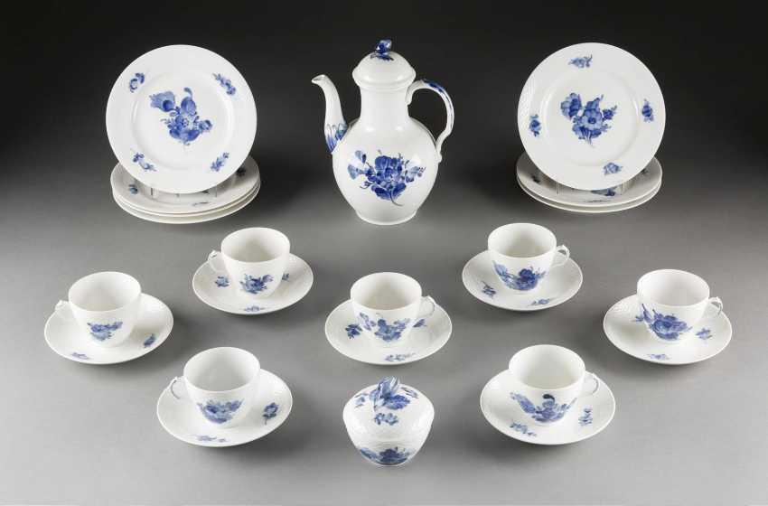16-PIECE coffee service 'BLUE FLOWER' Denmark, Royal Copenhagen, 20. Century - photo 1