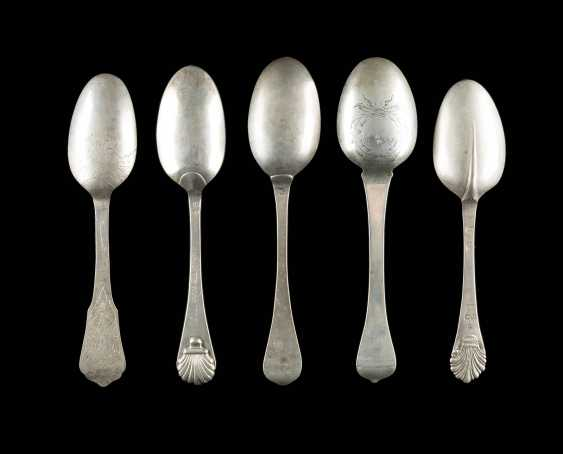 COLLECTION OF FIVE BAROQUE SPOONS - photo 2