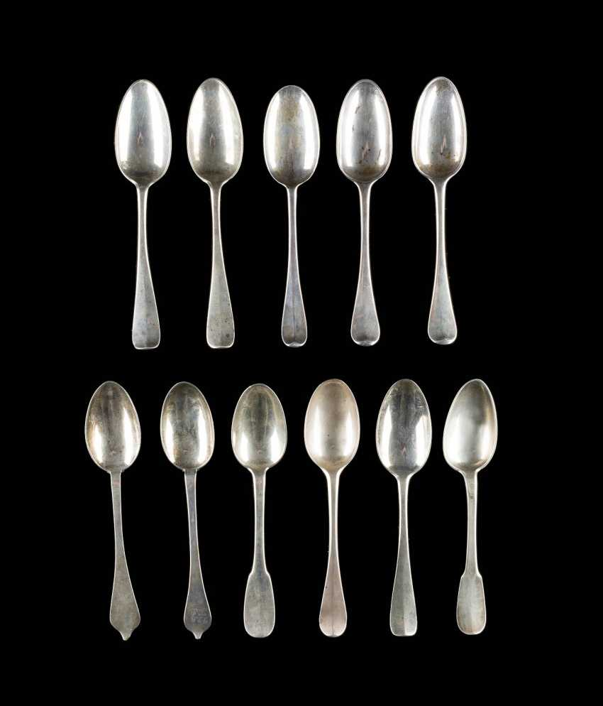 COLLECTION OF ELEVEN SPOONS - photo 1
