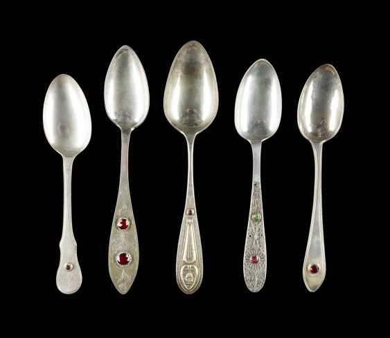 COLLECTION OF FIVE DINING SPOONS - photo 1
