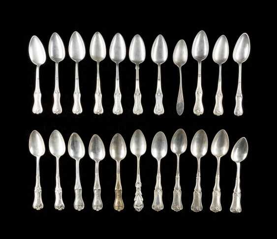 COLLECTION OF 22 NORTHERN GERMAN SPOONS - photo 1