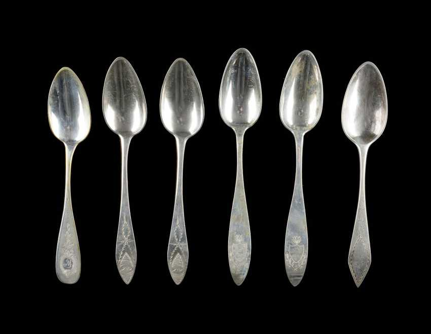 COLLECTION OF SIX SPOONS - photo 1