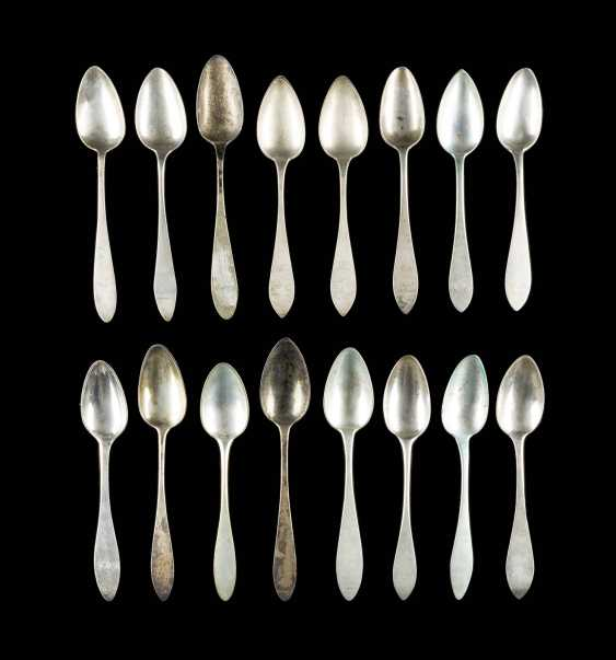 COLLECTION OF SIXTEEN DINING SPOONS - photo 1
