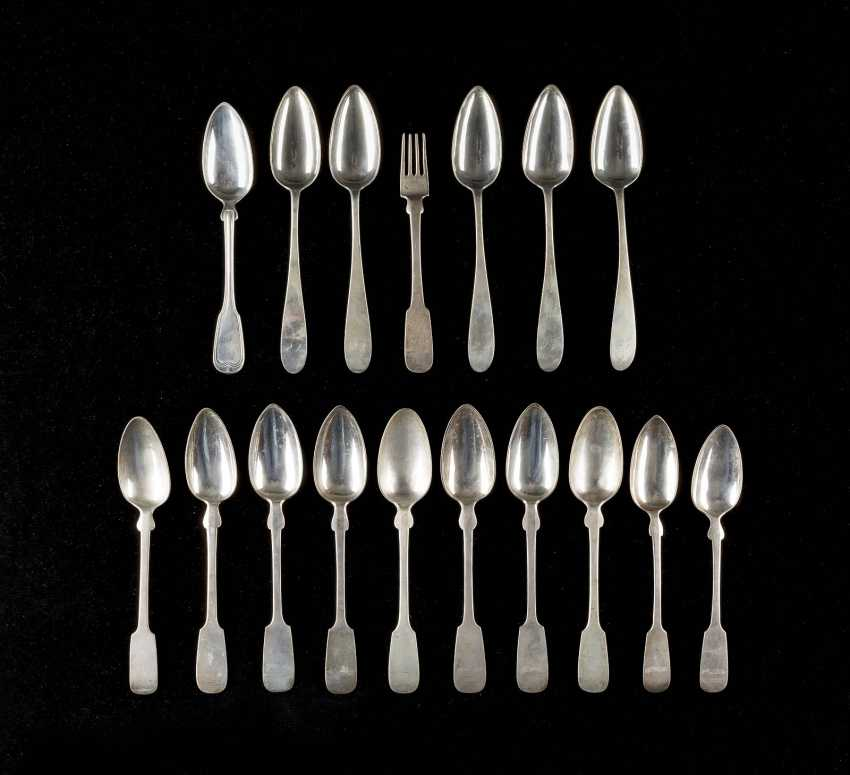 COLLECTION OF SIXTEEN BERLIN SPOONS AND A FORK - photo 1