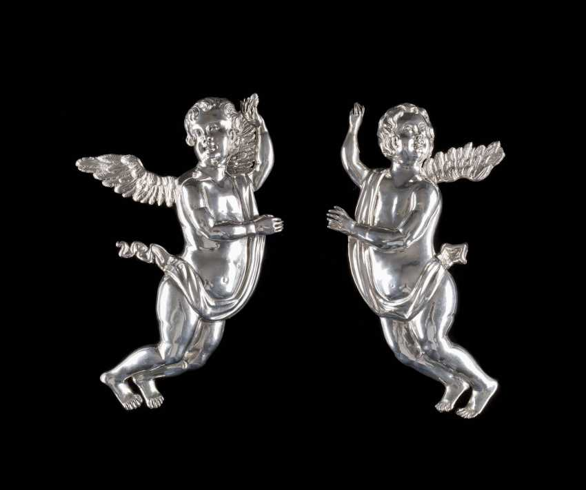 PAIR OF BAROQUE ANGELS - photo 1