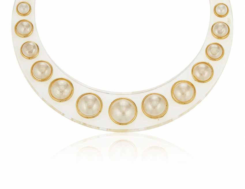 UNSIGNED CHANEL LUCITE AND FAUX PEARL NECKLACE - photo 1