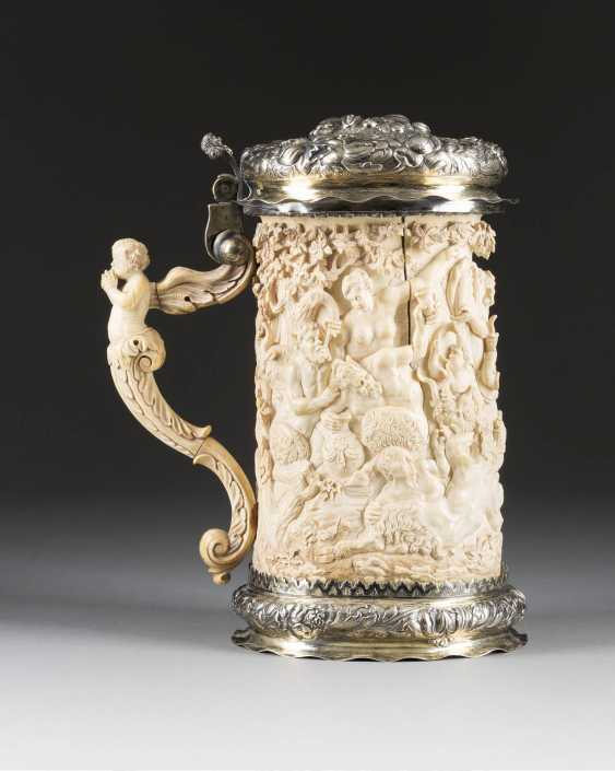 LARGE CEREMONIAL TANKARD WITH BACCHANAL - photo 1