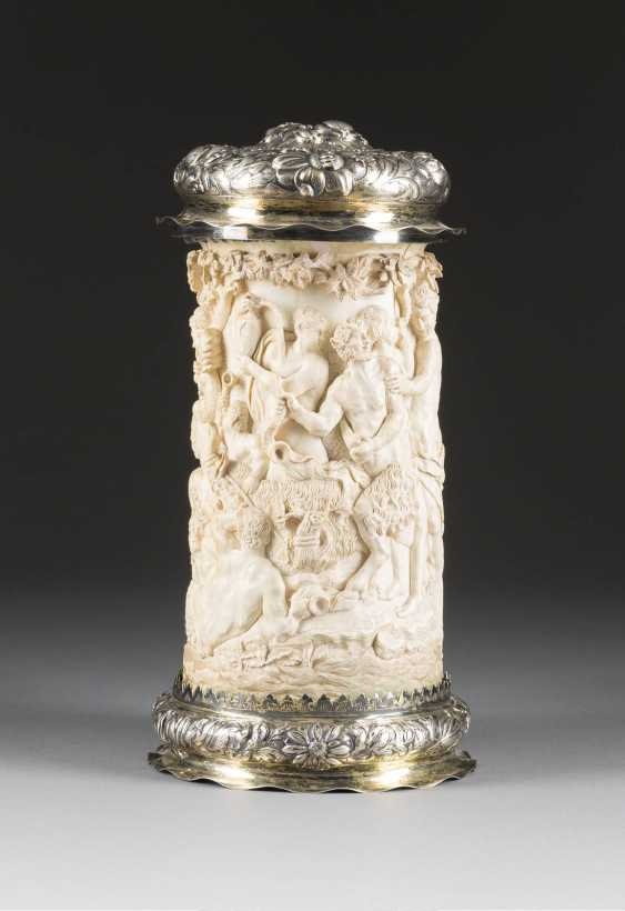 LARGE CEREMONIAL TANKARD WITH BACCHANAL - photo 2