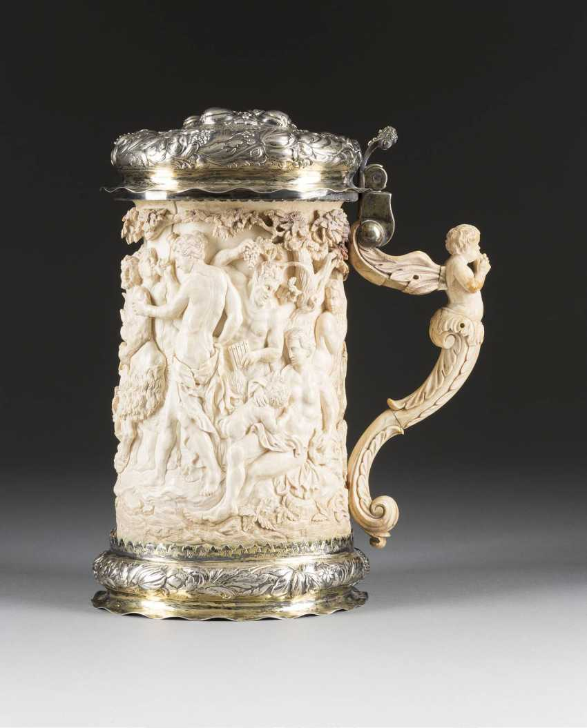 LARGE CEREMONIAL TANKARD WITH BACCHANAL - photo 3