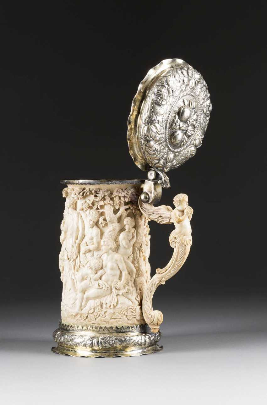 LARGE CEREMONIAL TANKARD WITH BACCHANAL - photo 4