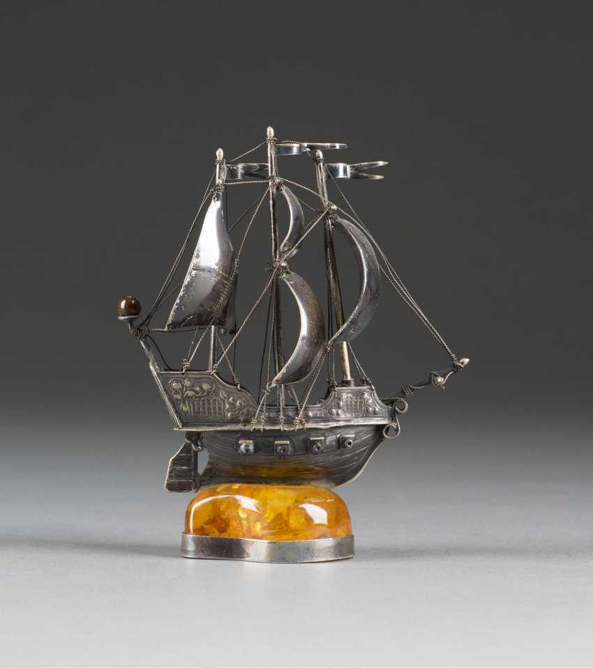 SHIP ON AMBER BASE - photo 1