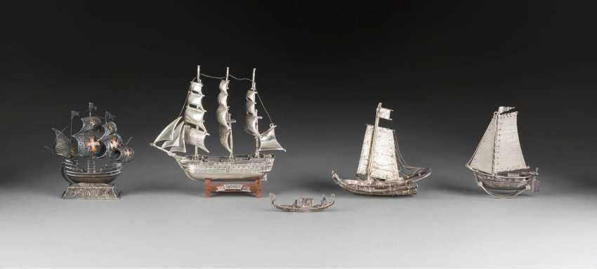 FIVE SMALL SHIPS - photo 1