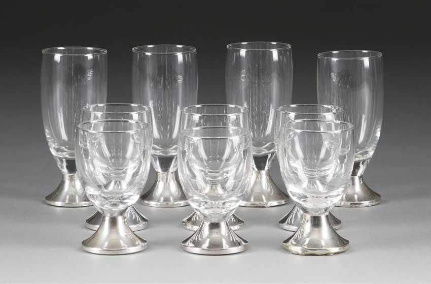 SIX sherry glasses AND FOUR liqueur glasses, the Netherlands, 1953. Silver filled, glass. H. 8 cm and 11 cm. Hallmarked with '835' in the sword brand, manufacturer's part number. Part. min. gedellt on the Stand. - photo 1