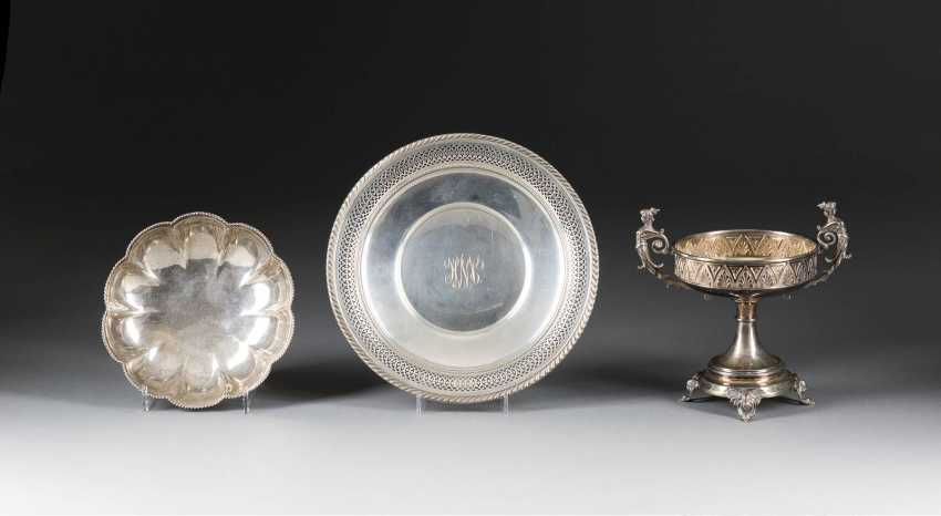 FOOT, CUP, PLATE AND BOWL WITH CORD DECORATION - photo 1