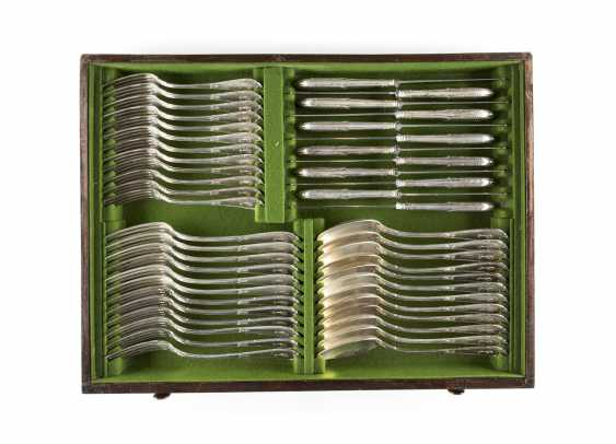 160-PIECE CUTLERY SET IN ORIGINAL WOODEN BOX WITH KEY - photo 4