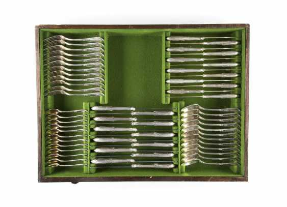 160-PIECE CUTLERY SET IN ORIGINAL WOODEN BOX WITH KEY - photo 5