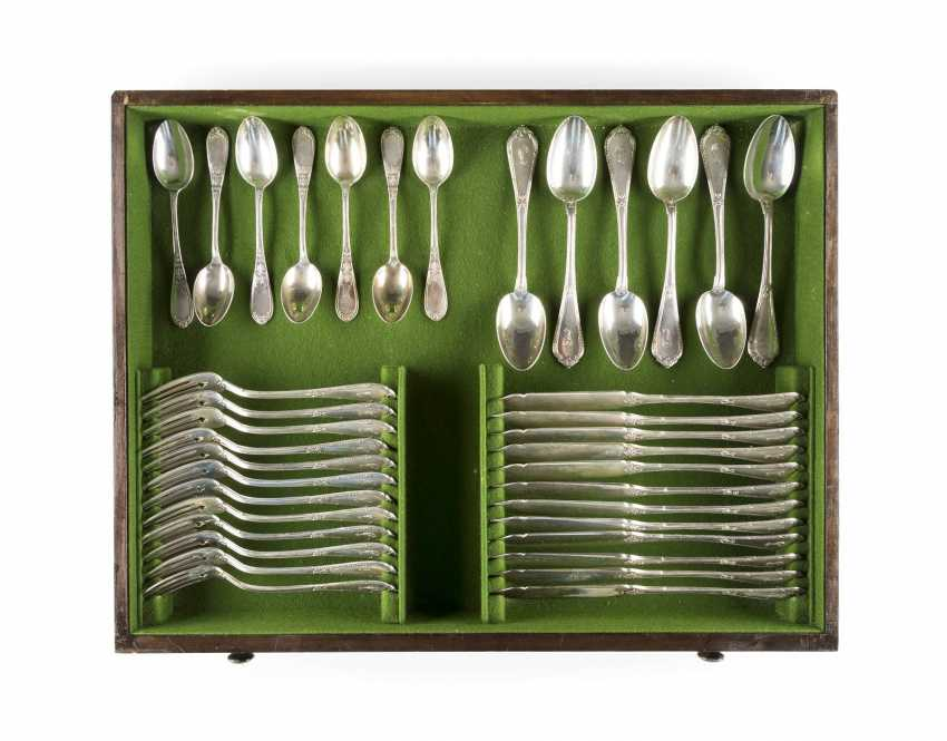 160-PIECE CUTLERY SET IN ORIGINAL WOODEN BOX WITH KEY - photo 6