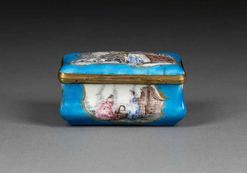SNUFF-BOX MIT GALANTEN PAAREN - photo 1