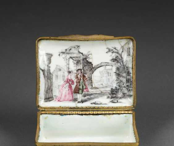SNUFF-BOX MIT GALANTEN PAAREN - photo 2