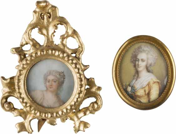 TWO PORTRAIT MINIATURES WITH ROCOCO LADIES - photo 1