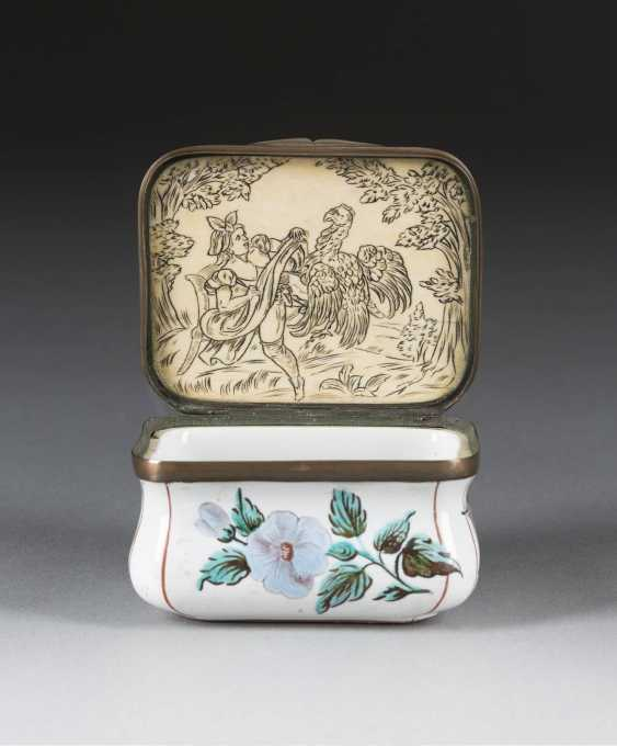 THE EROTICA SNUFF BOX - photo 2