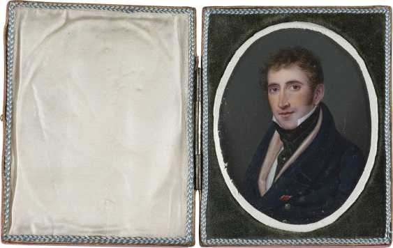 PORTRAIT MINIATURE OF A YOUNG GENTLEMEN IN THE ORIGINAL CASE - photo 2