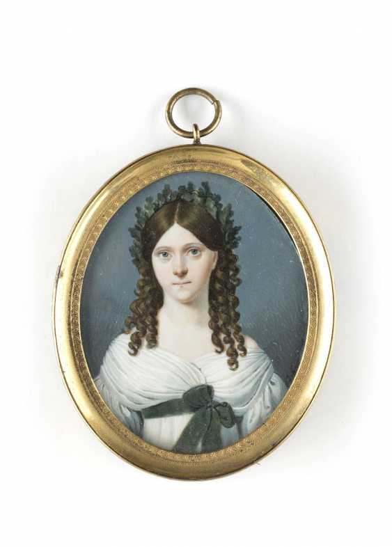 ALLEGORICAL PORTRAIT MINIATURE OF A LADY AS GERMANIA - photo 1