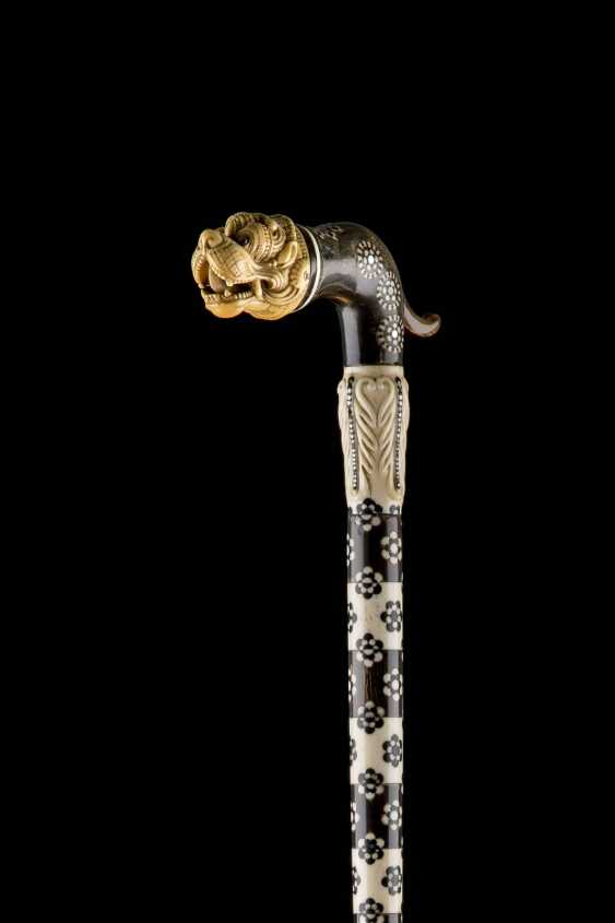 WALKING CANE WITH LION HANDLE - photo 2