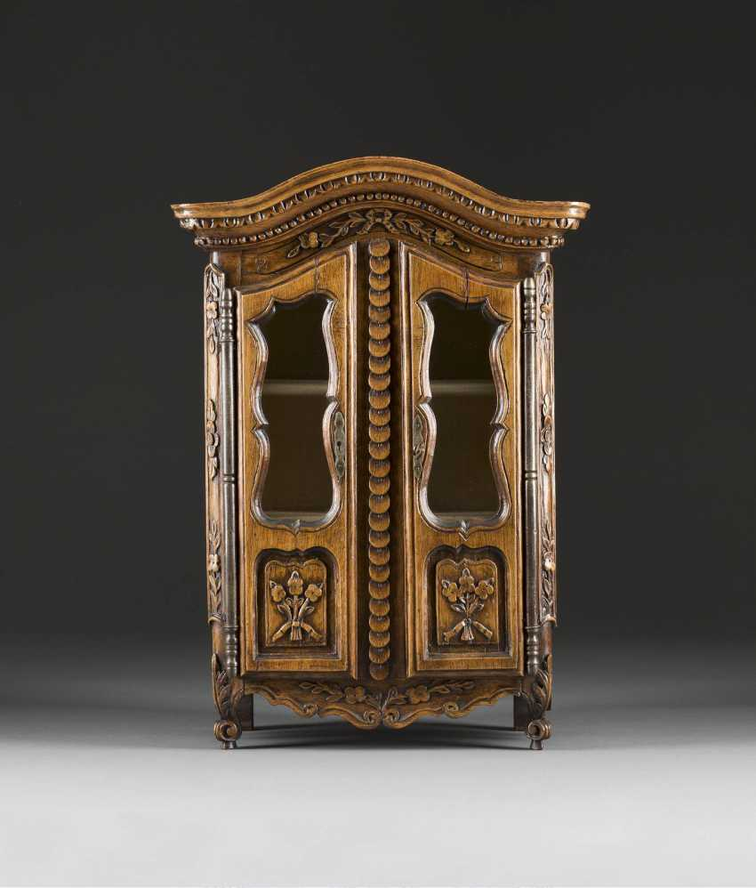 Model Cabinet - photo 1