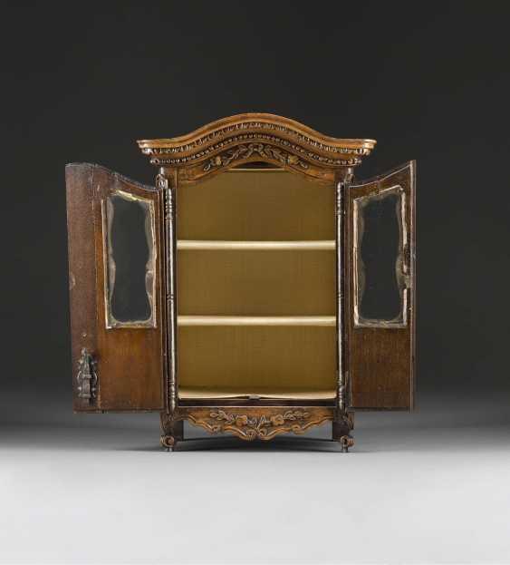 Model Cabinet - photo 2