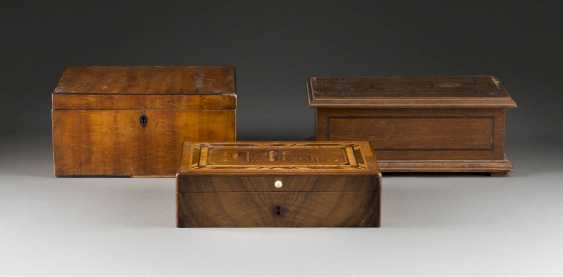 THE THREE CASKETS - photo 1
