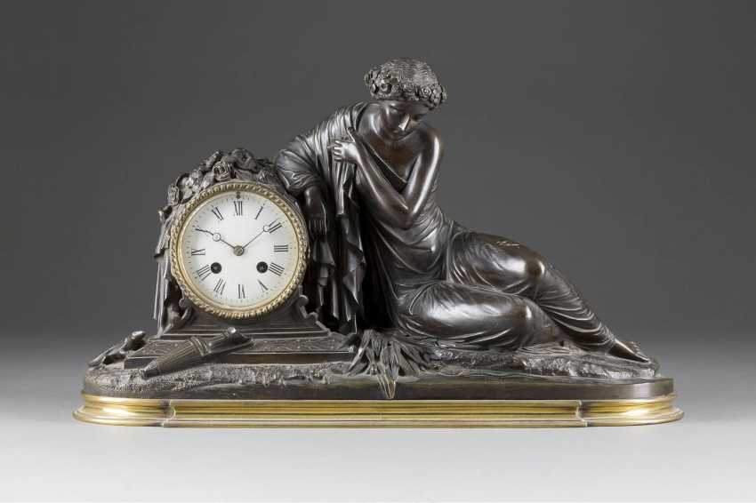 Mantel clock 'a YOUNG WOMAN ON the BANKS' France, Paris, the Japy Frerés & Cie, 2. Half of the 19th century. Century - photo 1