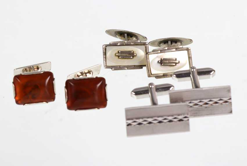 3 pairs of cufflinks - photo 1